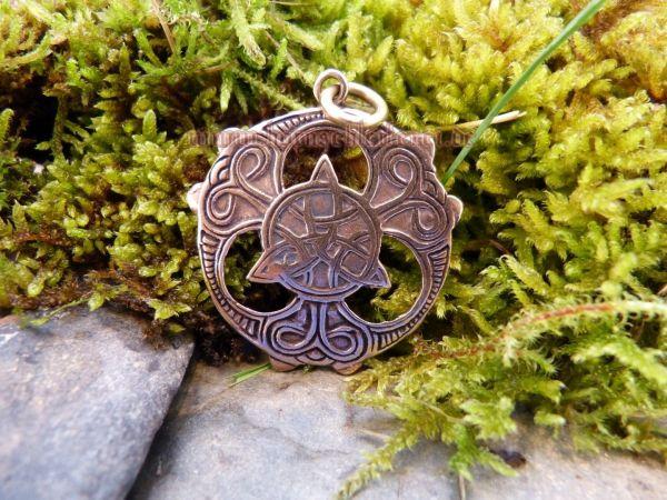 Anhänger BALDYRA aus Bronze Triade mit keltischen Mustern